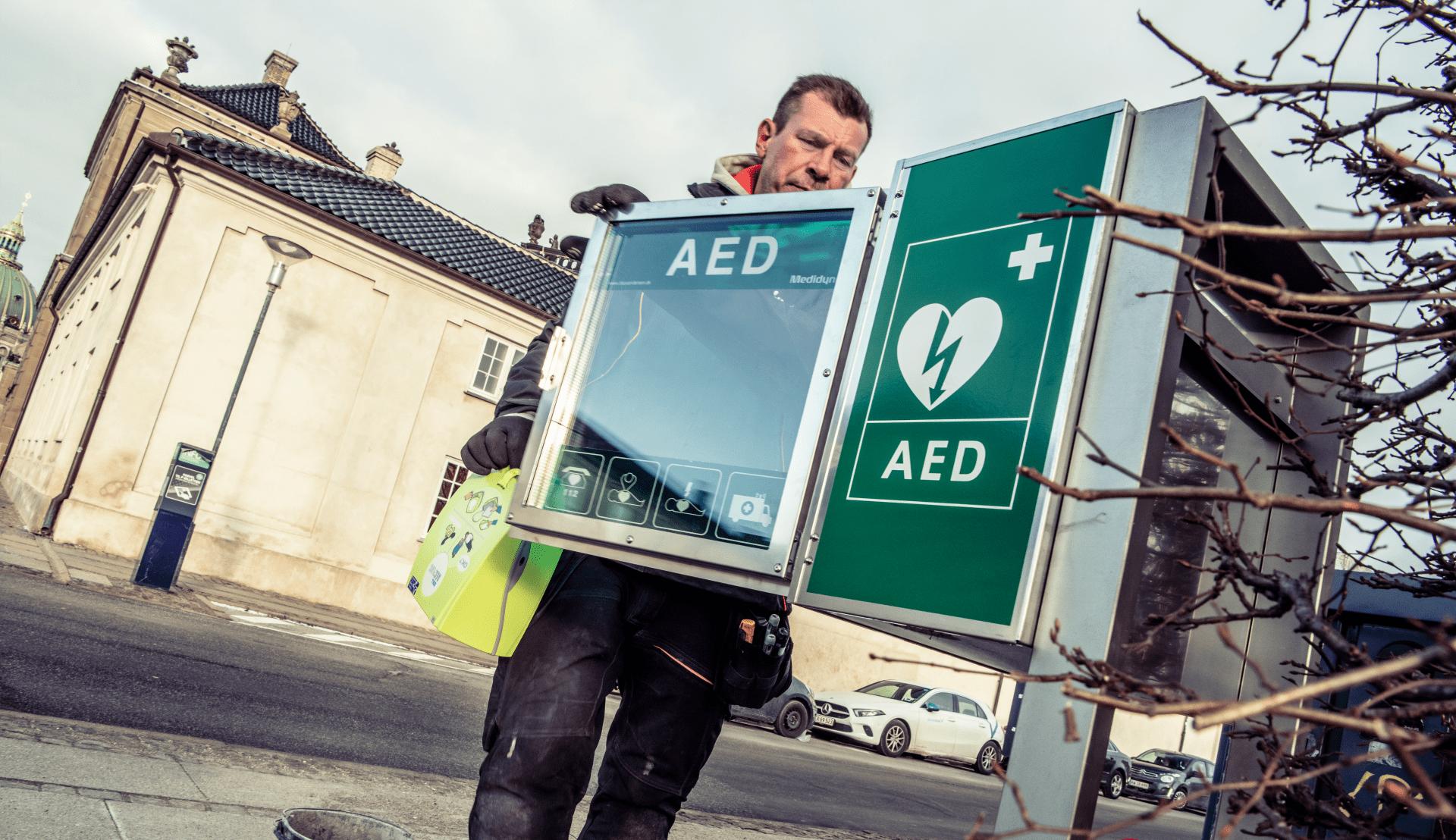 Opsaetning-af en hjertestarter i København og Amager